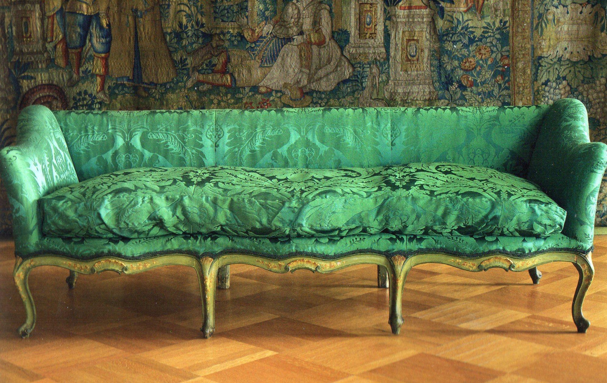 Antique Italian Furniture : il Divano - Elegant Etruria
