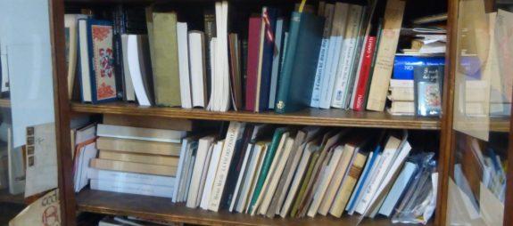 heraldry-shelves
